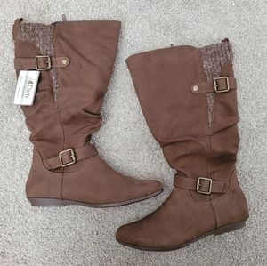 White Mountain Wide calf boots size 9
